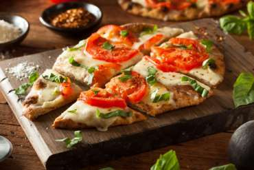 7 Different Types of Pizza From Around the World